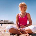 portretfotografie strand yoga bergen aan zee